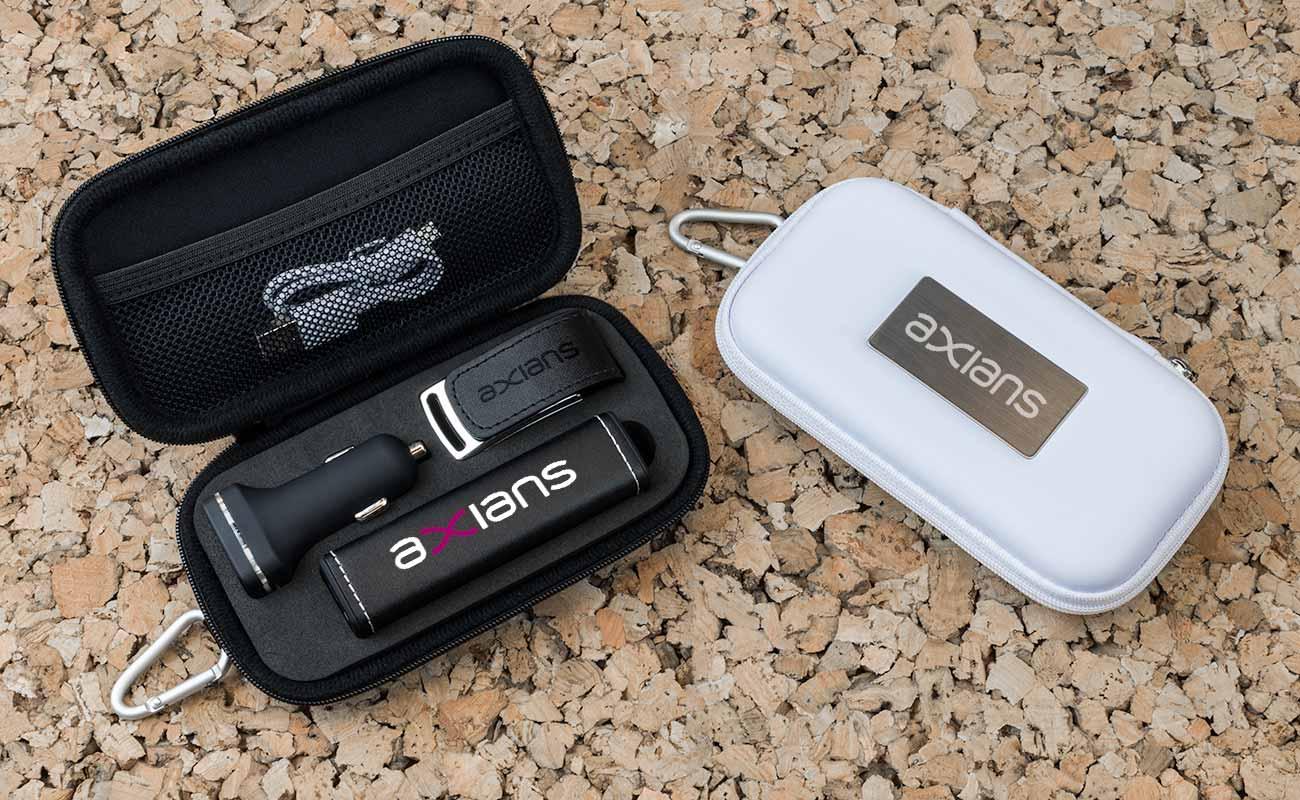 Leather M - Clé USB Personnalisée, Batterie Externe Personnalisée et Custom Car Charger